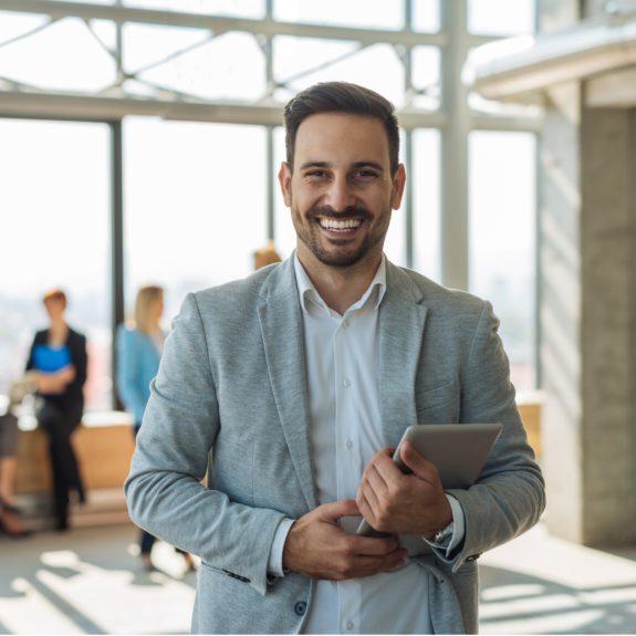 Assurance auto-entrepreneur : avantages, types d'assurance et coût